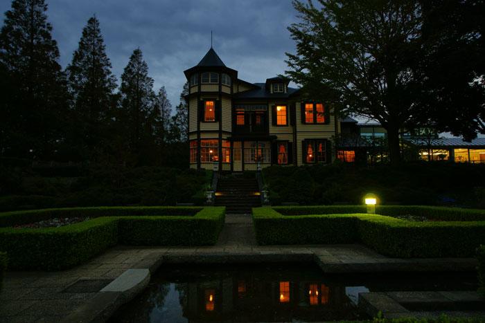 秋の宵の外交官の家_e0077521_2215243.jpg