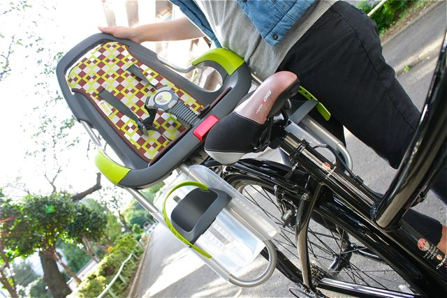 オランダ産『Qibbelキュベル』チャイルドシート おしゃれ ママ 自転車 ヨーロッパ_b0212032_219534.jpg