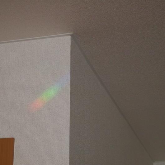 サンキャッチャーの虹色の玉_a0292194_10472185.jpg