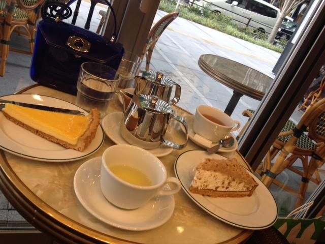 梅キタ。大阪美味マルシェ。食べすぎ。横わけ。_a0050302_220092.jpg
