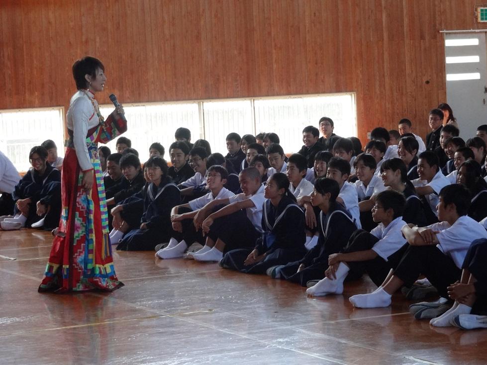 佐賀県鳥栖市の4つの中学校を訪問_c0162404_0435287.jpg