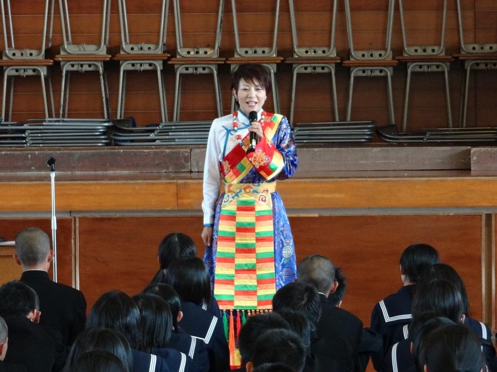佐賀県鳥栖市の4つの中学校を訪問_c0162404_0534145.jpg