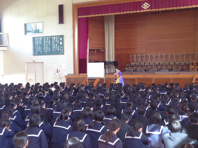 佐賀県鳥栖市の4つの中学校を訪問_c0162404_0561696.jpg