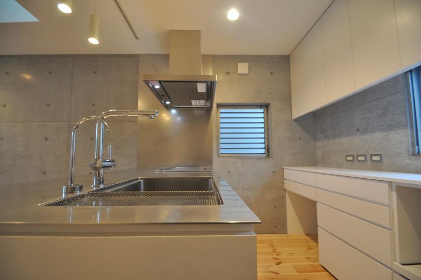 オリジナルのキッチン_e0028417_19425035.jpg