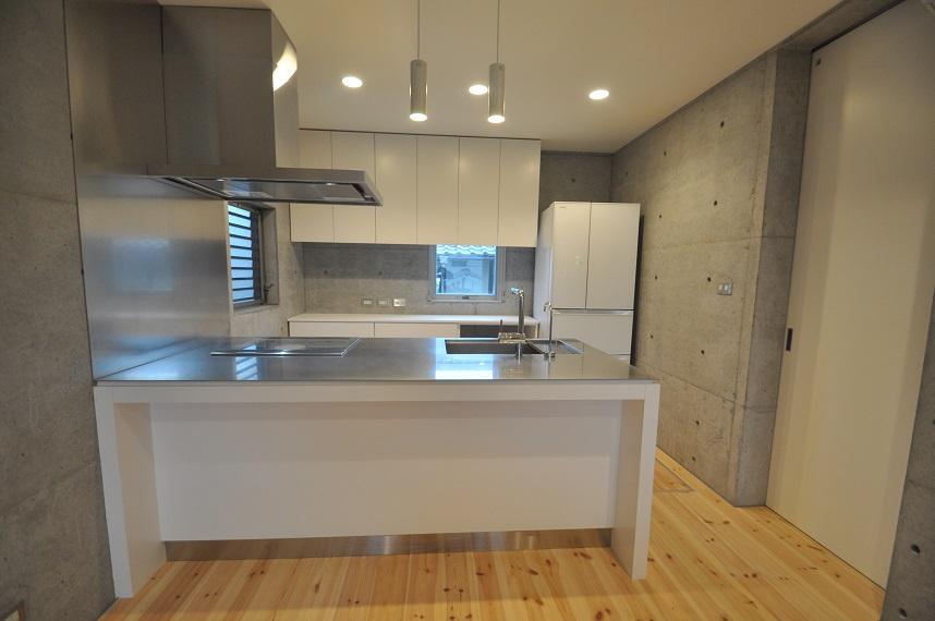 オリジナルのキッチン_e0028417_1945546.jpg