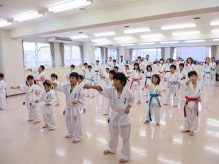 日曜 新川教室 親子空手 秋季昇級審査会_c0118332_1633513.jpg