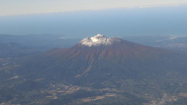 JALに感謝、鹿児島空港JAL職員草間様へ感謝、鹿児島空港フロントの草間様ありがとう青森は快晴です_d0181492_2212034.jpg