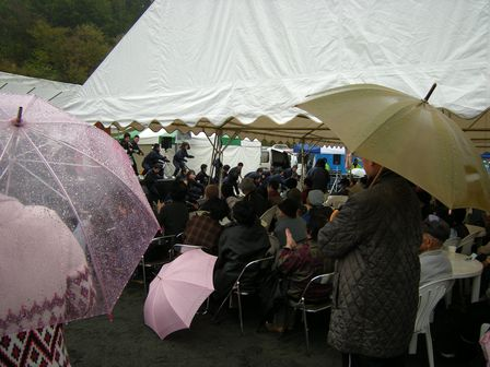 こがわ産直市&炭鉱ホルモンまつり(1)雨でも大盛り上がり!_b0206037_0414223.jpg