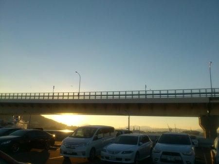 函館山と朝市と巴大橋_b0106766_23342748.jpg