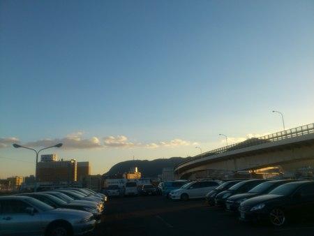 函館山と朝市と巴大橋_b0106766_23342759.jpg