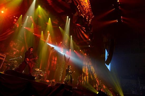 VAMPS主宰『HALLOWEEN PARTY 2013』開幕!_e0197970_13391342.jpg