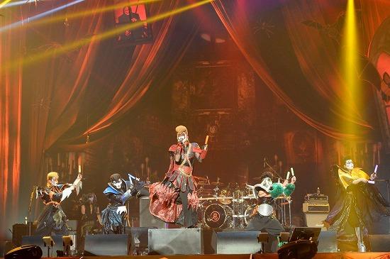 VAMPS主宰『HALLOWEEN PARTY 2013』開幕!_e0197970_1339232.jpg