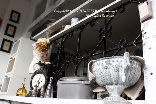アンティークのアイアンをキッチンに。_e0237680_14233183.jpg
