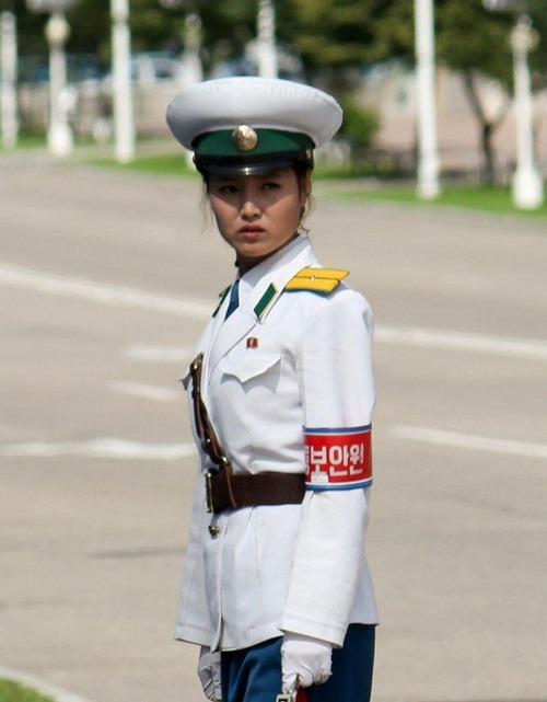 北朝鮮vs南トンスルランド:やはり北朝鮮「ワン・ジェサン芸術団」の方が上ですナ!_e0171614_16543191.jpg