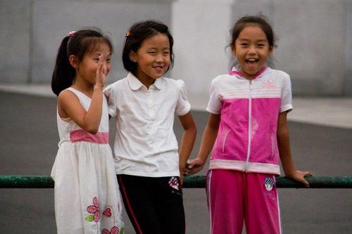 北朝鮮vs南トンスルランド:やはり北朝鮮「ワン・ジェサン芸術団」の方が上ですナ!_e0171614_16562884.jpg