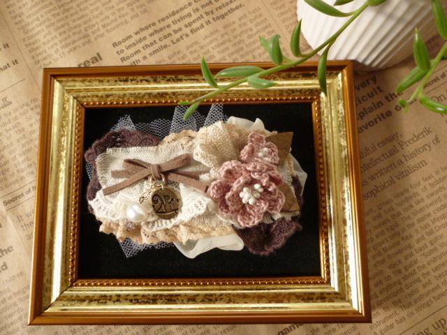 コーラル・ピンクのお花と揺れる淡水パールのバレッタ_f0254627_112286.jpg