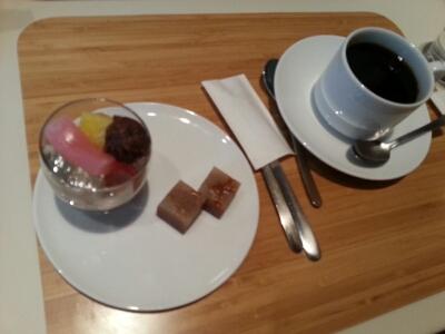 パリの風を感じるカフェ@東京ステーションホテル_a0187658_19481040.jpg