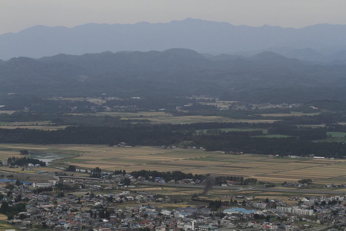 太平山とC61を望む - 2013年秋・奥羽本線 -  _b0190710_23473762.jpg