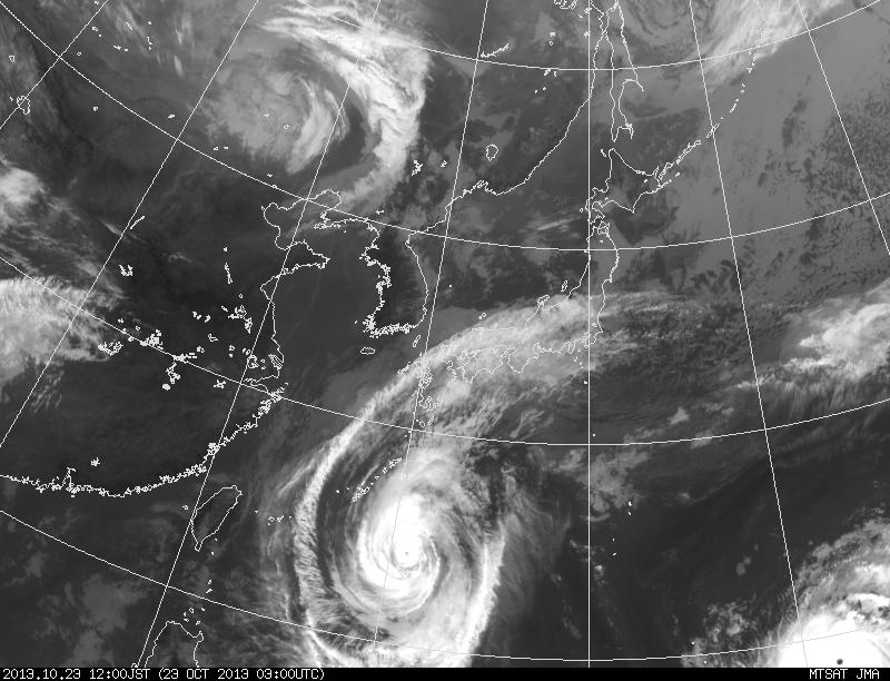 台風27号と28号の今:四国を狙っているか?_e0171614_1218563.png
