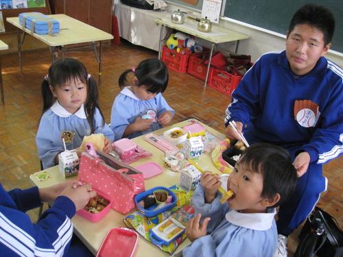 中学生との交流・1日体験入園_c0107515_1534398.jpg