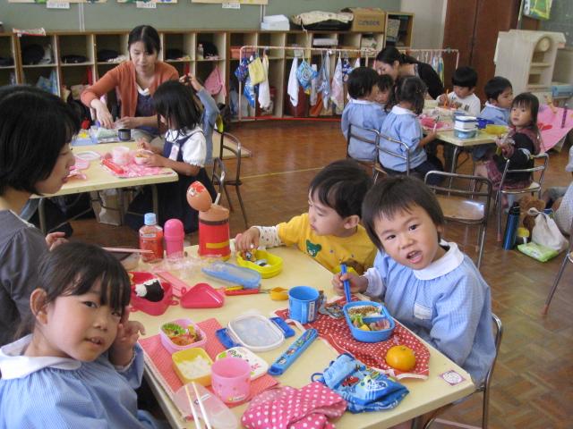 中学生との交流・1日体験入園_c0107515_1593818.jpg
