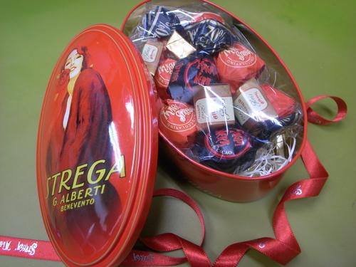 <ストレーガ社 チョコレートの詰合せ >_a0317019_154369.jpg