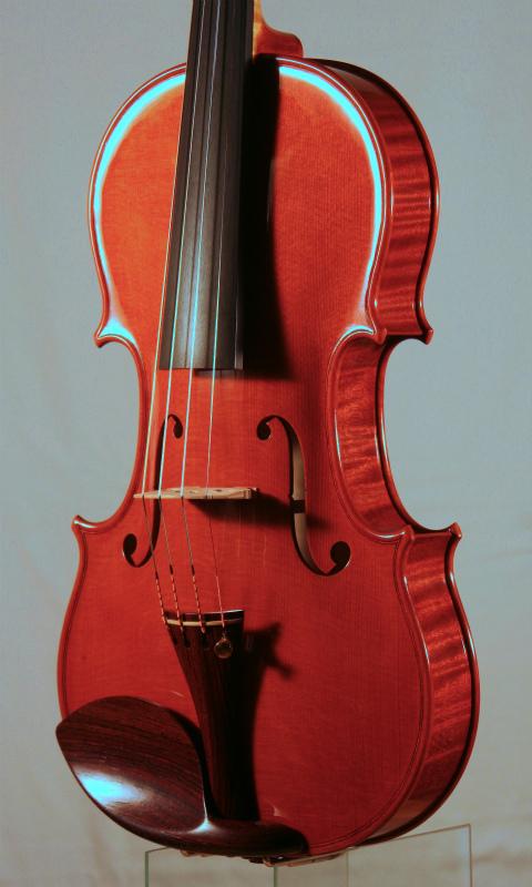 弦楽器フェアのお知らせと、新作ヴァイオリン完成_d0047461_63742.jpg