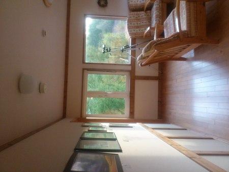 山荘ゆずりはの二階には_b0106766_0164547.jpg