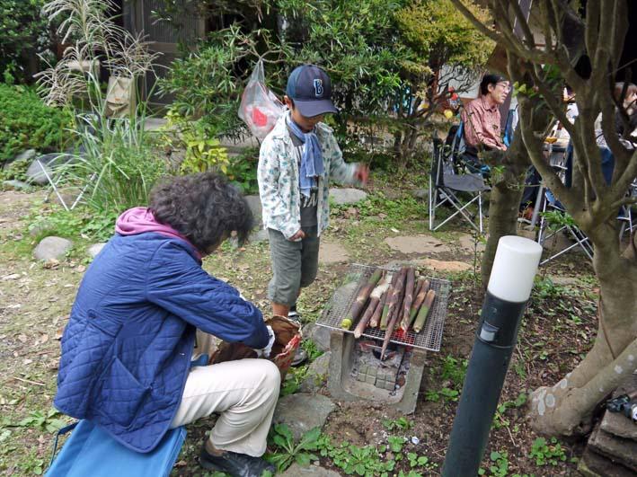 かっちゃん宅の芋煮会に手づくりの里芋など提供(10・22)_c0014967_11195966.jpg