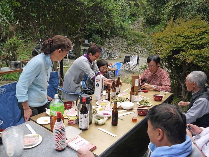 かっちゃん宅の芋煮会に手づくりの里芋など提供(10・22)_c0014967_11211789.jpg