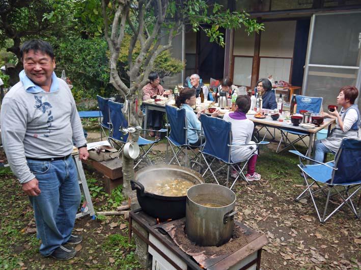 かっちゃん宅の芋煮会に手づくりの里芋など提供(10・22)_c0014967_11222722.jpg