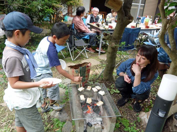 かっちゃん宅の芋煮会に手づくりの里芋など提供(10・22)_c0014967_11224133.jpg