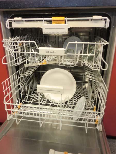 食洗機選びに悩む2 ミーレとパナソニック_c0293787_23222839.jpg