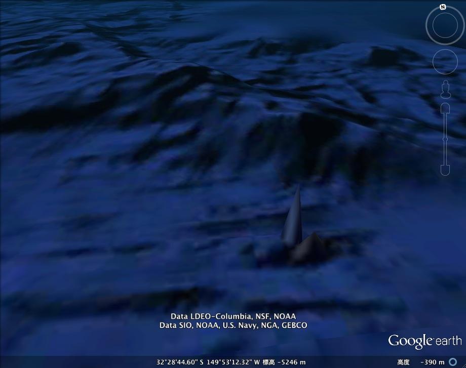 In Deep氏、太平洋の海底に「未知の塔」を発見か?:よくこんなもの見つけたネ!_e0171614_1958277.jpg
