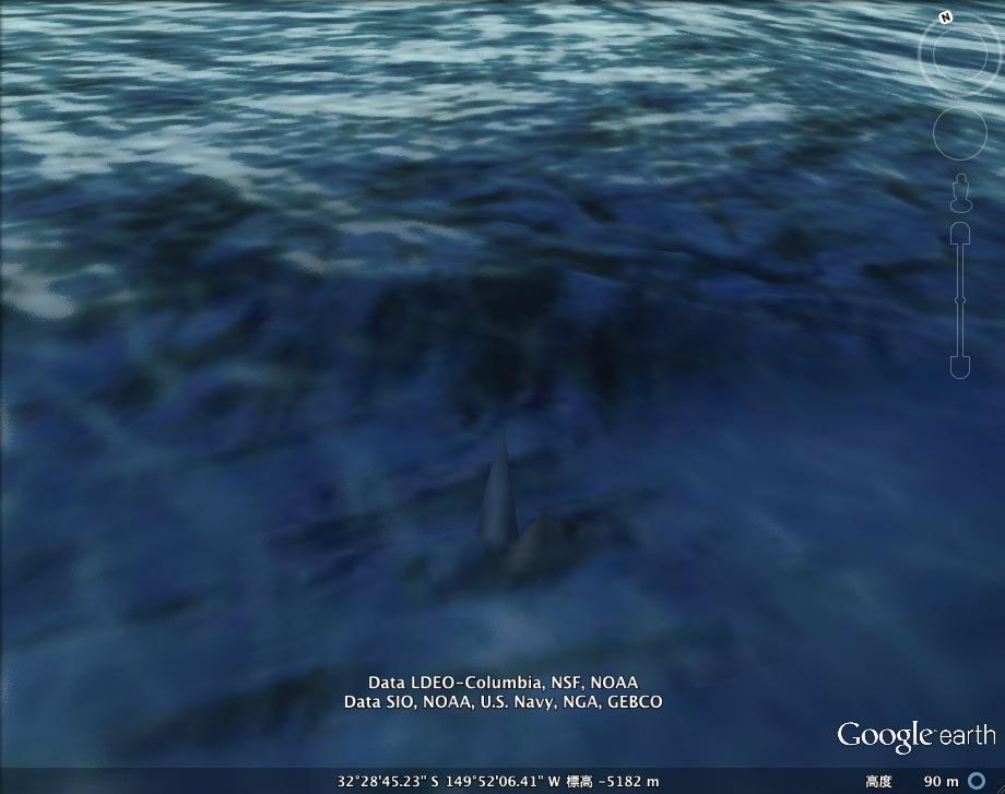 In Deep氏、太平洋の海底に「未知の塔」を発見か?:よくこんなもの見つけたネ!_e0171614_1958319.jpg