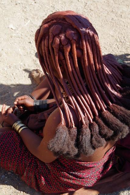 ナミビアの旅(33) 【 ヒンバ族 】  ヒンバ族の女性_c0011649_23381665.jpg