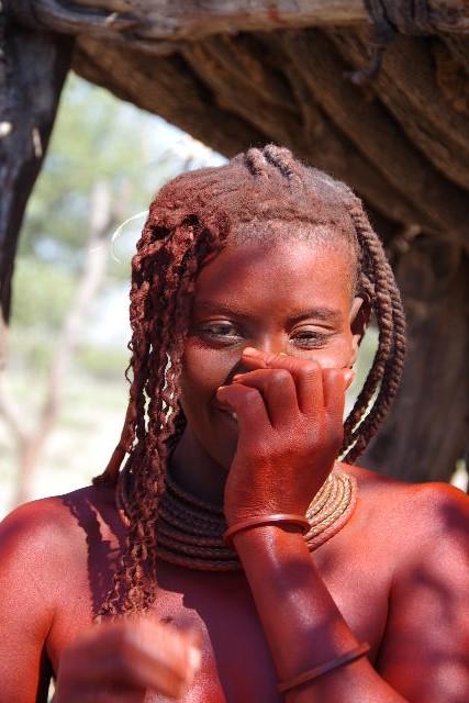 ナミビアの旅(33) 【 ヒンバ族 】  ヒンバ族の女性_c0011649_23393013.jpg