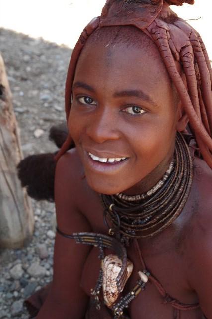 ナミビアの旅(33) 【 ヒンバ族 】  ヒンバ族の女性_c0011649_23453745.jpg
