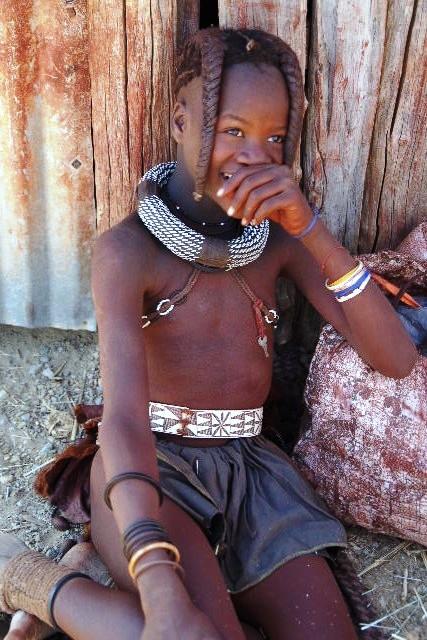 ナミビアの旅(32) 【 ヒンバ族 】  ヒンバ族の村_c0011649_813534.jpg