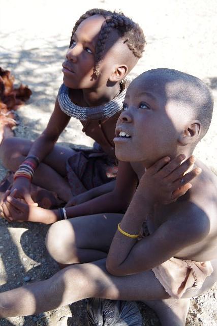 ナミビアの旅(32) 【 ヒンバ族 】  ヒンバ族の村_c0011649_845158.jpg