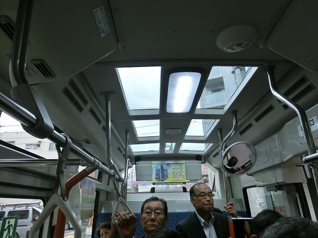 スカイツリーも車内から見学できる 墨田区のワンコインバス_f0141310_7453639.jpg