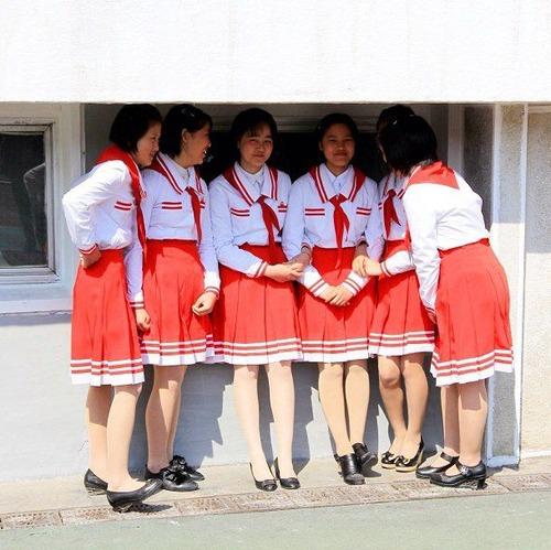 韓国のチマ・チョゴリのルーツは、日本の女学生の羽織袴姿にあり!_e0171614_14303559.jpg
