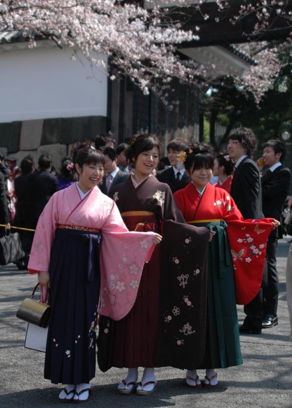 韓国のチマ・チョゴリのルーツは、日本の女学生の羽織袴姿にあり!_e0171614_14545716.jpg