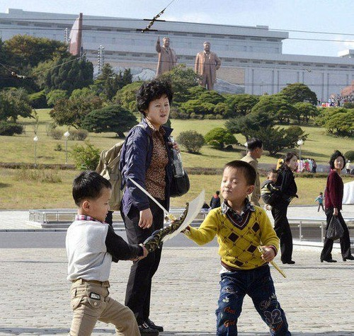韓国人+朝日新聞、金正恩セックススキャンダルも捏造か?:救いようがないバカだな。_e0171614_2133991.jpg