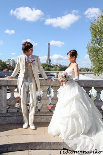 世界中でパリのウェディングフォトツアー流行中?!_c0024345_20155611.jpg