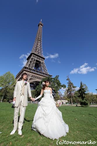 世界中でパリのウェディングフォトツアー流行中?!_c0024345_20165912.jpg