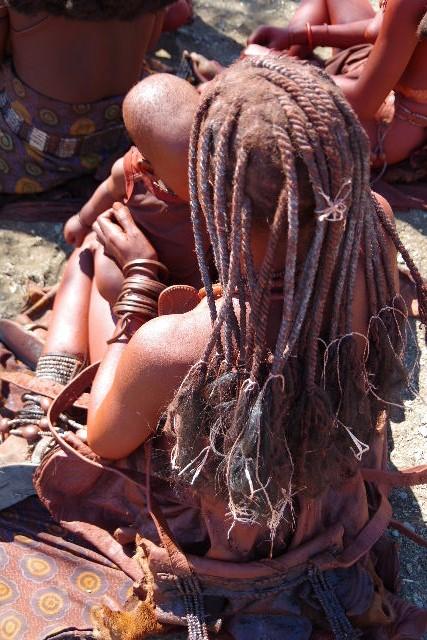 ナミビアの旅(33) 【 ヒンバ族 】  ヒンバ族の女性_c0011649_09842.jpg