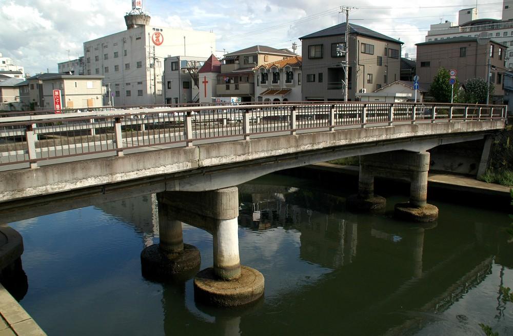 橋のある風景_b0093754_20192448.jpg