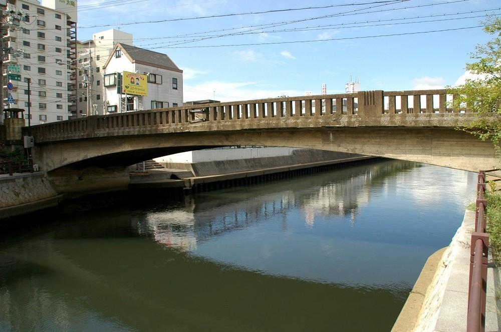橋のある風景_b0093754_2020588.jpg