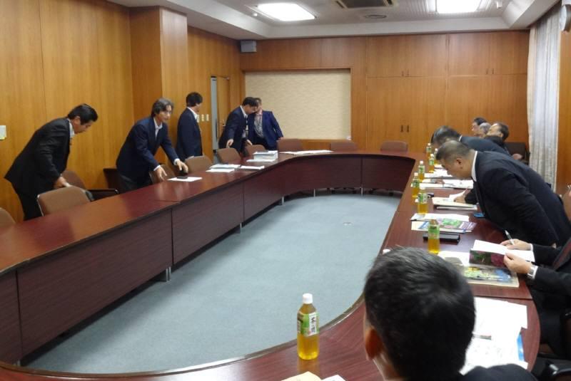 総務委員会視察3日目_f0059673_1840529.jpg